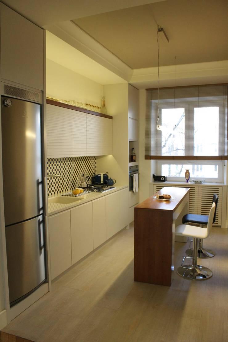 aneks kuchenny: styl , w kategorii Kuchnia zaprojektowany przez JOL-wnętrza,