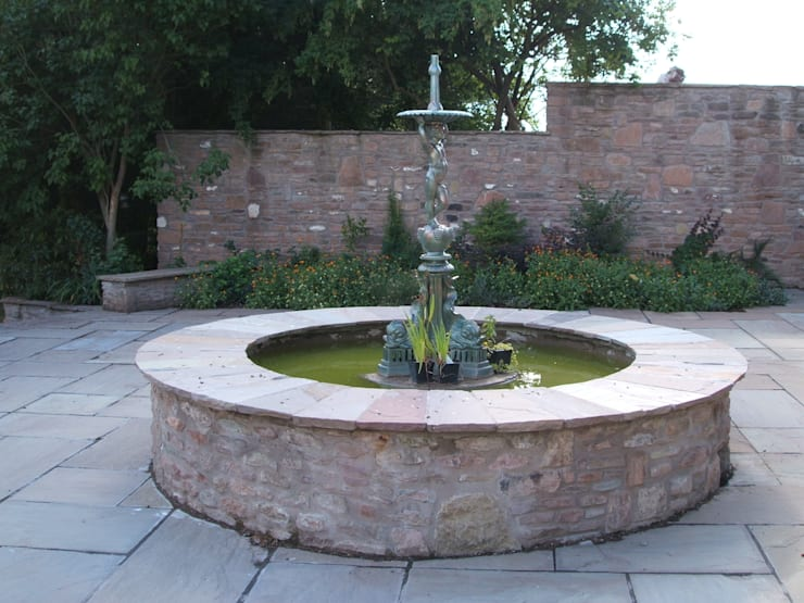 Metal Water Fountain:  Garden by Unique Landscapes