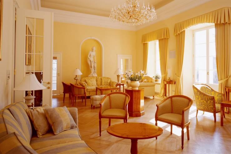 sala balowa: styl , w kategorii Salon zaprojektowany przez JOL-wnętrza