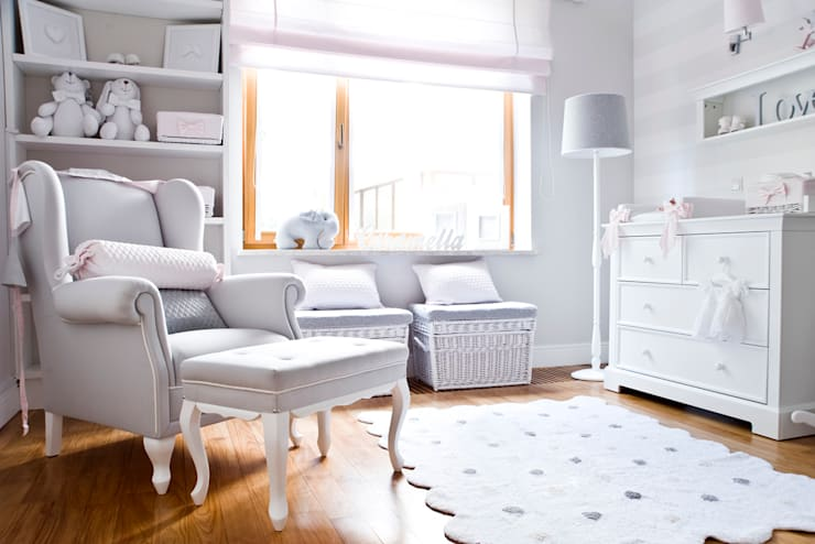 Pokój córeczki Zosi Ślotały: styl , w kategorii Pokój dziecięcy zaprojektowany przez Caramella