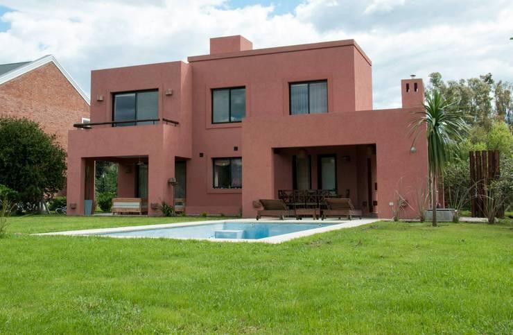 Casas de estilo  por Desarrollos Proyecta