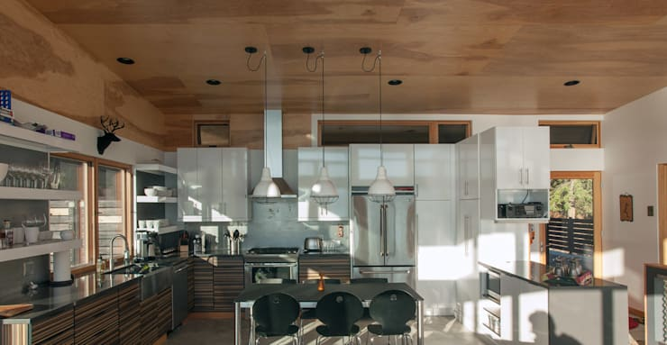 Camp Hammer: modern Kitchen by Uptic Studios