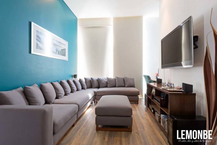 Lago Alberto: Estudios y oficinas de estilo  por LEMONBE