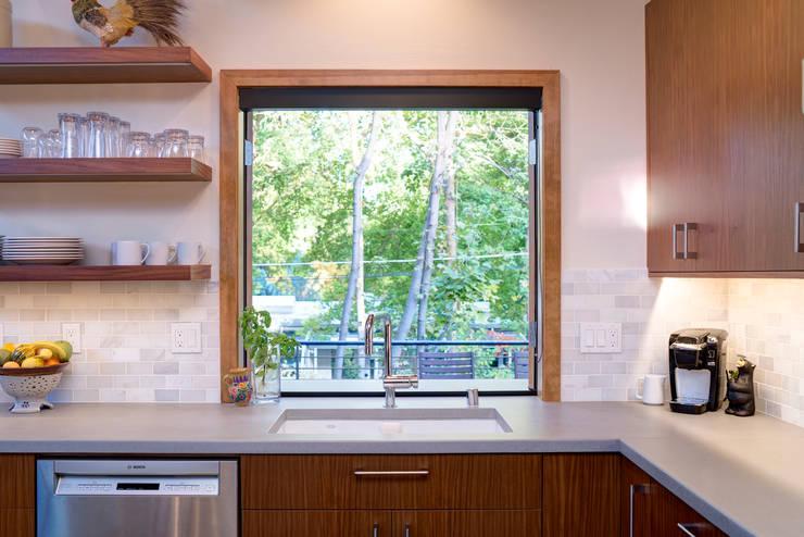 Projekty,  Okna zaprojektowane przez Uptic Studios