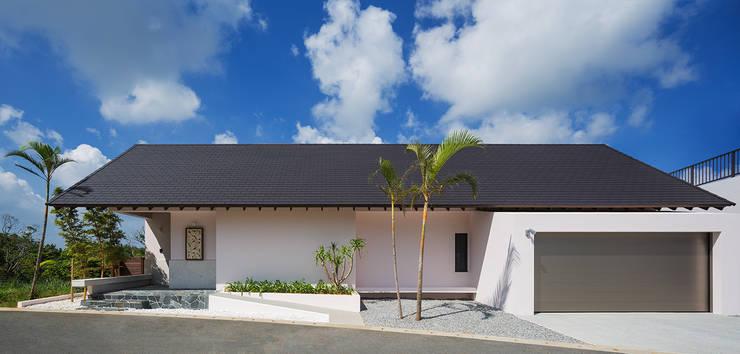 Casas de estilo asiático por 岡部義孝建築設計事務所