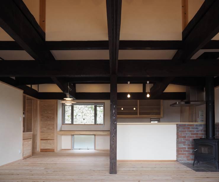 ダイニング: 土公建築・環境設計室   DOKO Archtecture & Environmental Designsが手掛けたです。
