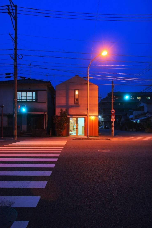 KMGO 小松原の小さなSOHO: 太田則宏建築事務所が手掛けた家です。