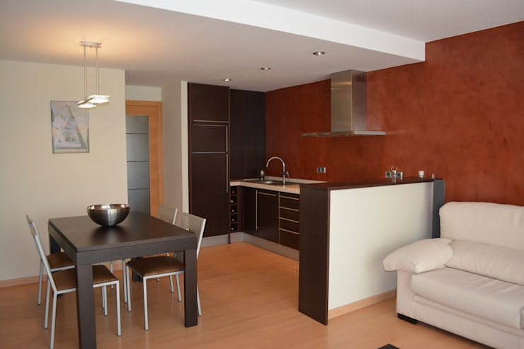 Zona Cocina reformada:  de estilo  de 4RQ Ingeniería y Arquitectura