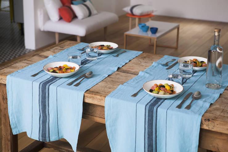 Chemin de table Beaurivage: Cuisine de style de style Moderne par Créations Jean-Vier