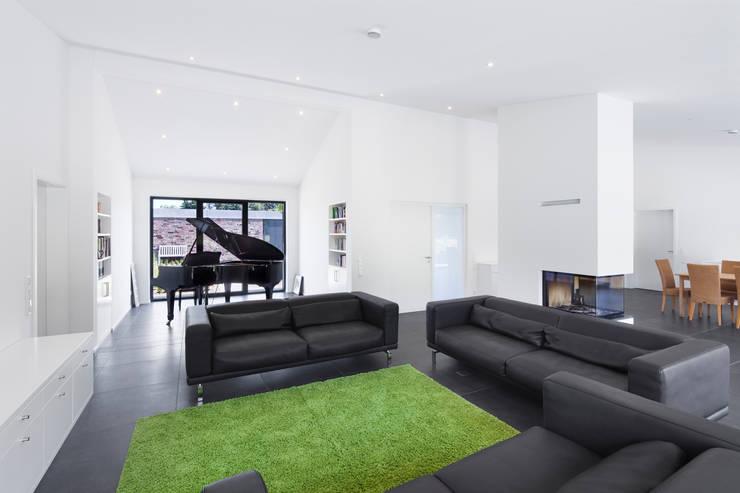 Projekty,  Salon zaprojektowane przez Wichmann Architekten Ingenieure GmbH