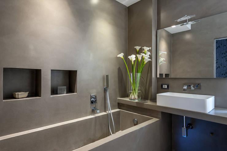 zero6studio Monteverde: Bagno in stile in stile Minimalista di Paolo Fusco Photo