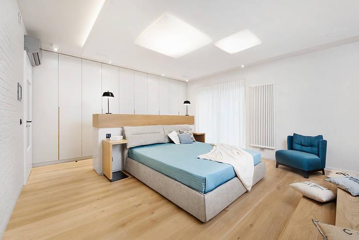 Wrocław / Biskupin, dom - 365m2: styl , w kategorii Sypialnia zaprojektowany przez razoo-architekci