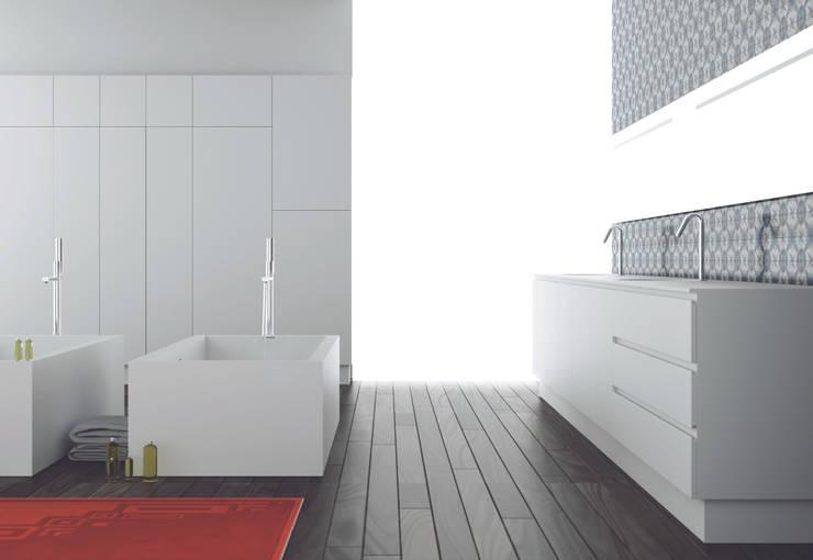 Salle de bain de style  par Moma Design Group