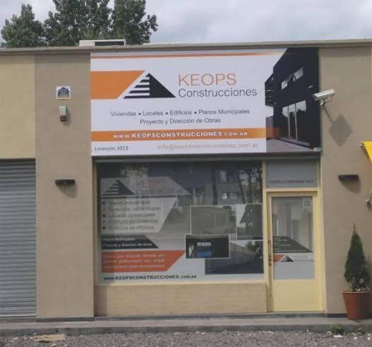 Fachada : Casas de estilo  por keopsconstrucciones