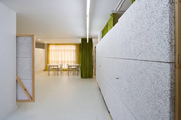 Ousar Crescer: Escolas  por TERNULLOMELO Architects