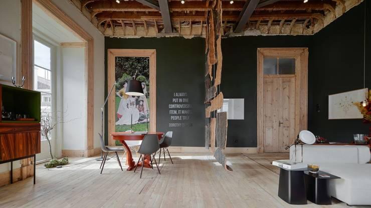 Living room by Spaceroom - Interior Design