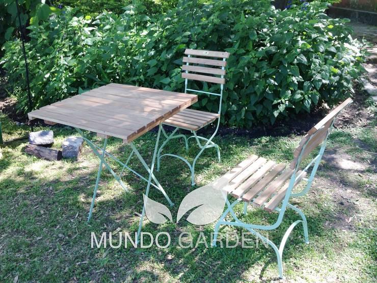 juego de mesas y sillas bistro: Jardines de estilo  por Mundo Garden