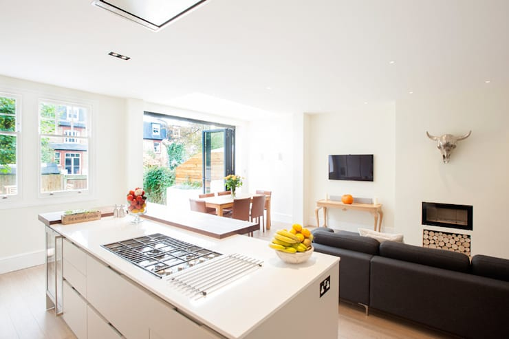 Streatham, SW2:  Kitchen by Build Team