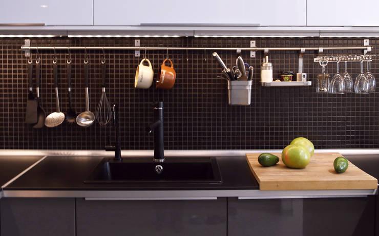 Интерьер в белом: Кухни в . Автор – NDubchenko,