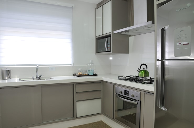 modern Kitchen by Luizana Wiggers Projetos