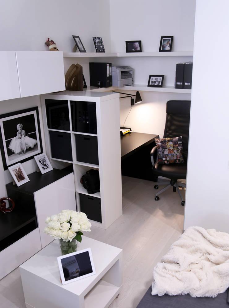 Интерьер в белом: Гостиная в . Автор – NDubchenko,