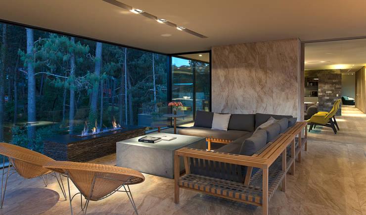 Terrazas de estilo  por Vieyra Arquitectos