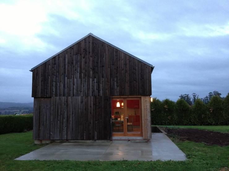 Casa de campaña: Casas de estilo  de Arrokabe arquitectos