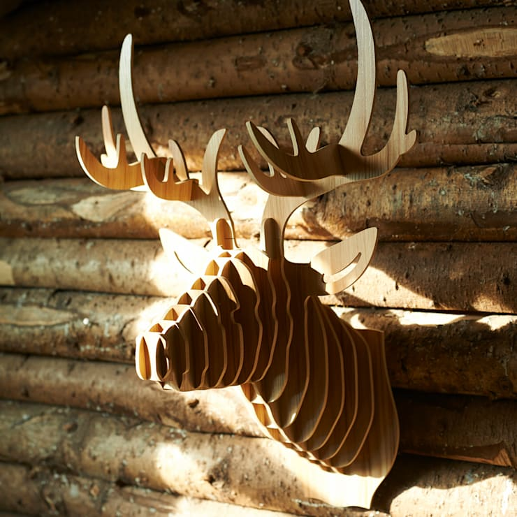 Laminated ash stag head: scandinavian Living room by brush64