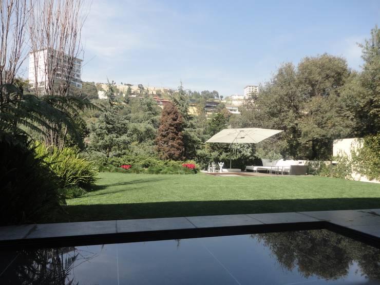 JARDÍN RESIDENCIA TEJADO: Jardines de estilo  por PAISAJE MEXICANO