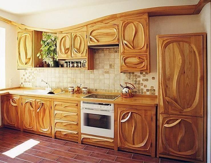 Falująca kuchnia: styl , w kategorii Kuchnia zaprojektowany przez MW Pracownia Mebli Piotr  Wojtanowski