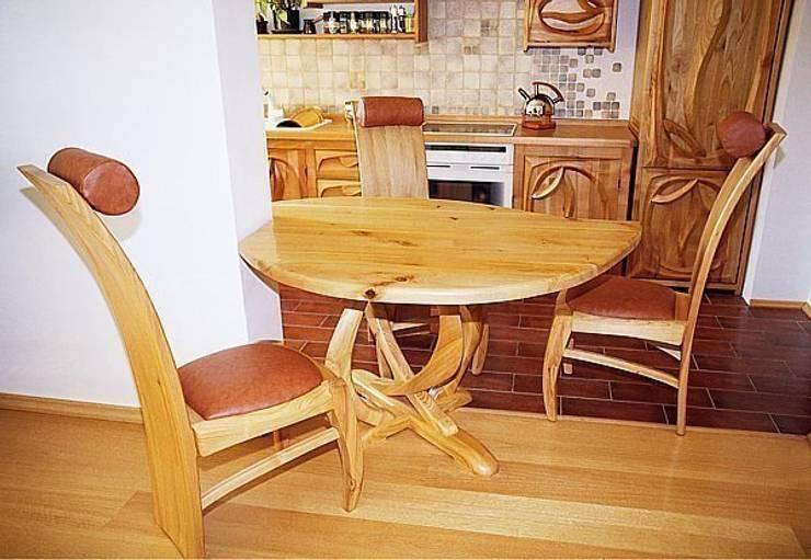 Dining room oleh MW Pracownia Mebli Piotr  Wojtanowski