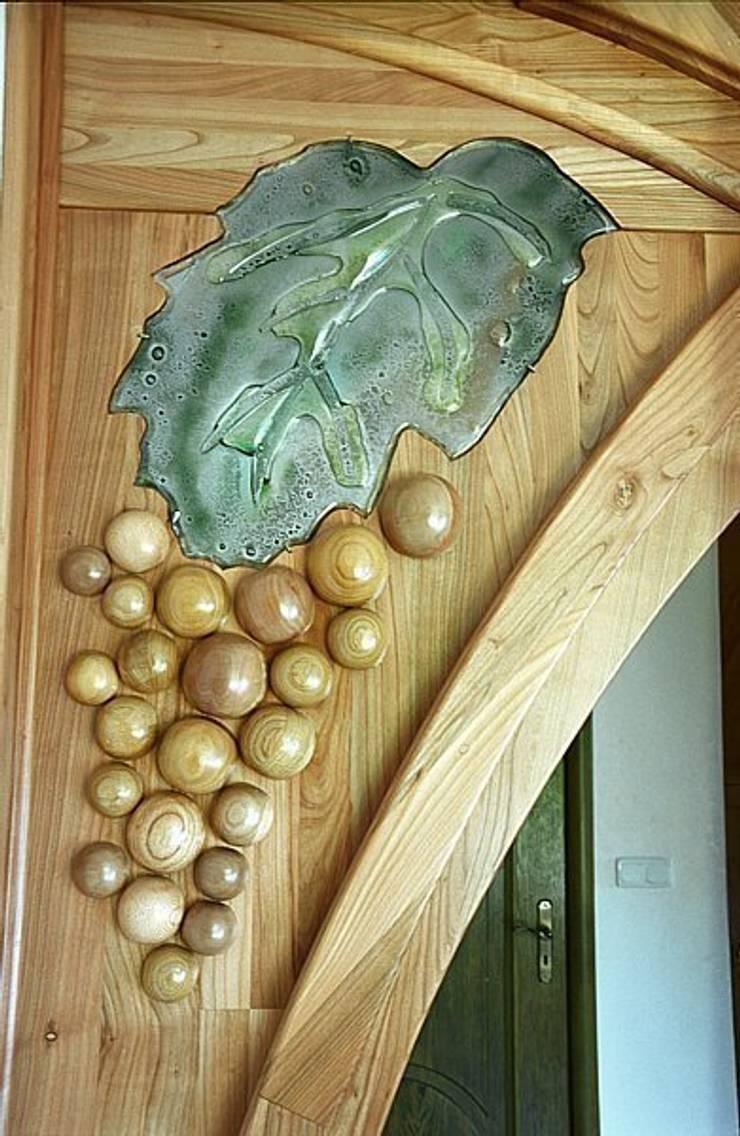 Meble kuchenne z jadalnią - bachanalia, detal.: styl , w kategorii  zaprojektowany przez MW Pracownia Mebli Piotr  Wojtanowski,Rustykalny