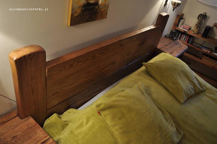 Zagłówek drewniany, ozdoba łóżka: styl , w kategorii Sypialnia zaprojektowany przez Zakład Stolarski Robert Latawiec