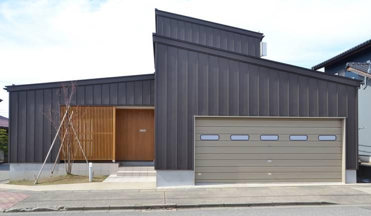Houses by 家楽舎 木田智滋住宅研究室, Modern