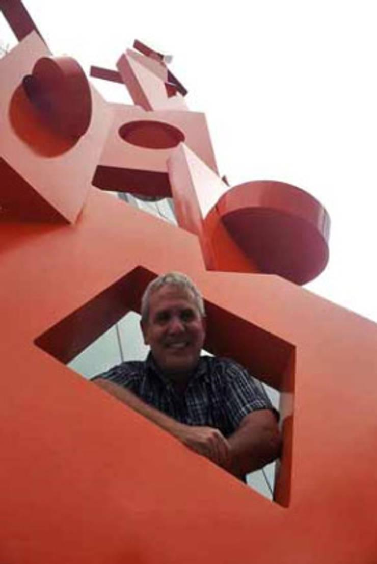 EQUILIBRIO Proyecto Monumental en Guadalajara, México.: Casas de estilo  por JUAN VICENTE URBIETA