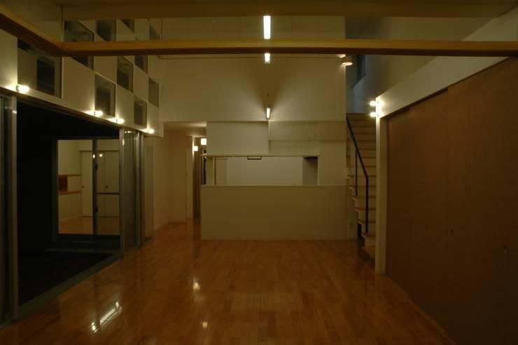一松ハウス: アアキ前田 株式会社が手掛けたキッチンです。