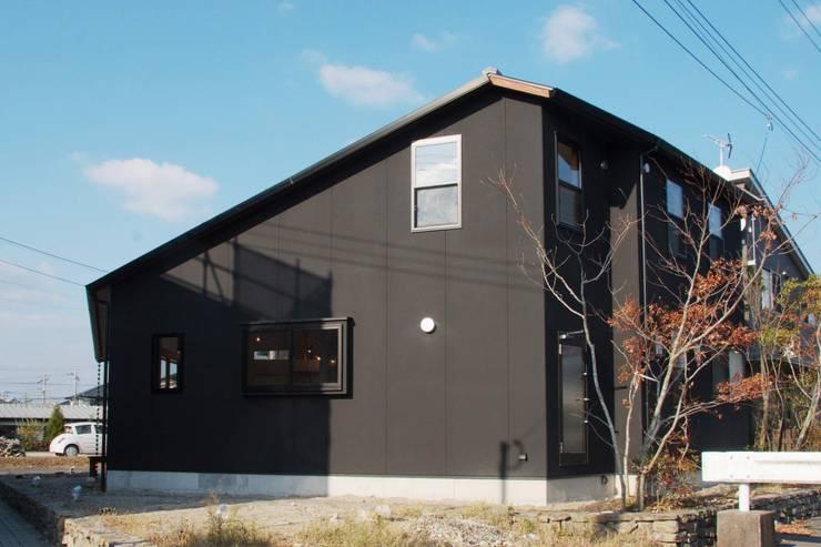 ARGA 姶良の雑木林の家: 太田則宏建築事務所が手掛けた家です。