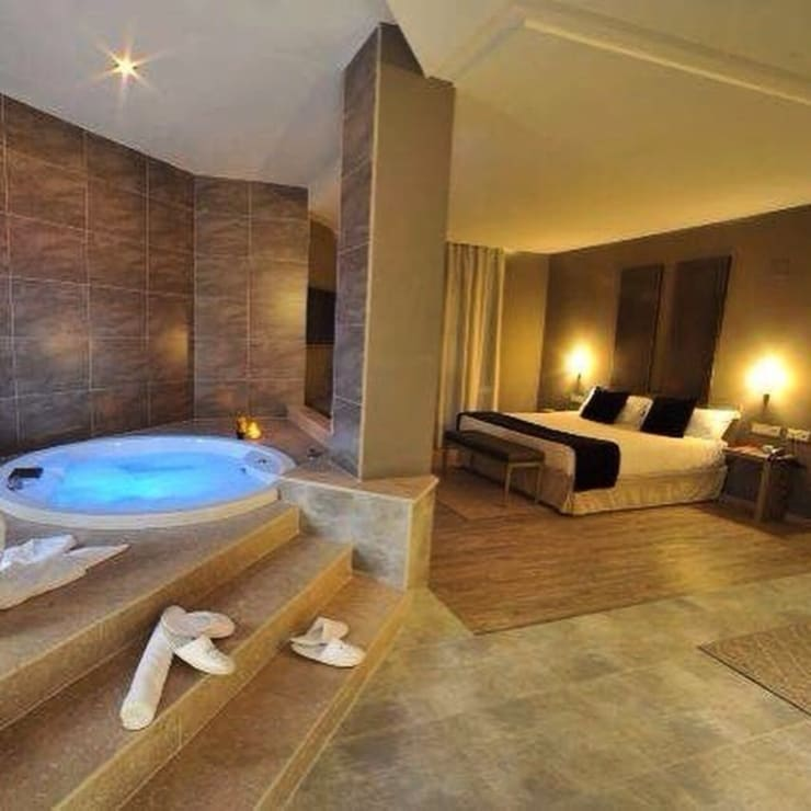 Dormitorios de estilo  por Arquitectos Culiacán