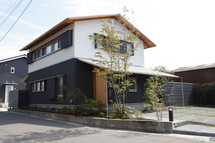 霧島の家 外観: 株式会社 住まいずが手掛けた家です。