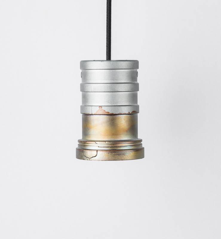TU 01: styl , w kategorii  zaprojektowany przez Firelamps,Industrialny Aluminium/Cynk