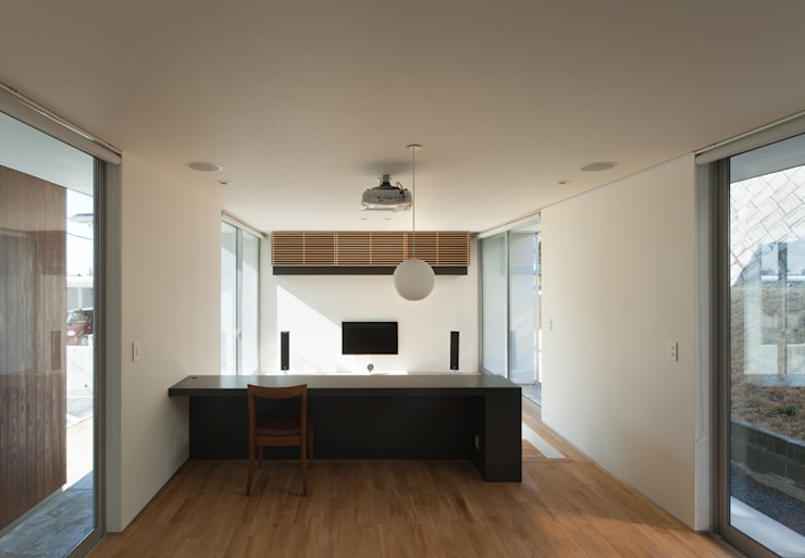 ALLEY HOUSE: 吉田慎二/建築・計画ワイズスタジオが手掛けたダイニングです。