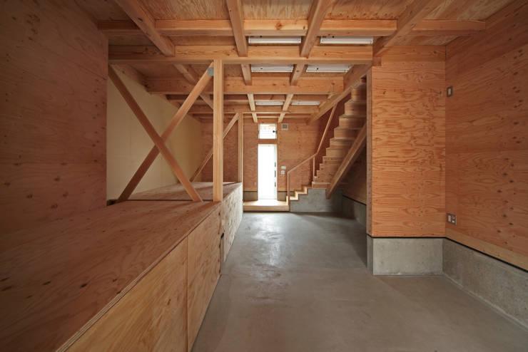 K氏のアトリエ  1階アトリエ: 塔本研作建築設計事務所が手掛けた和室です。