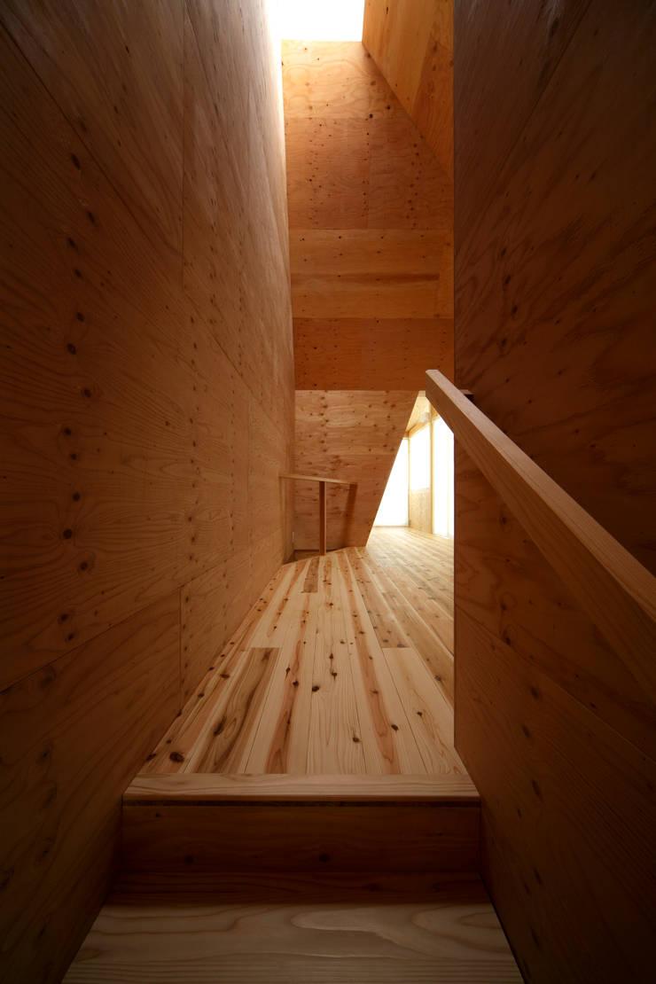 K氏のアトリエ  : 塔本研作建築設計事務所が手掛けた廊下 & 玄関です。