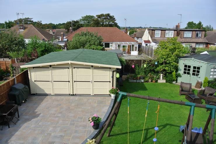 Wooden garages:  Garden by Quick garden LTD