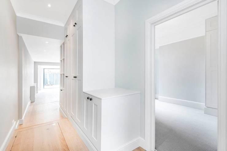 Corridor & hallway by Lambert&Sons