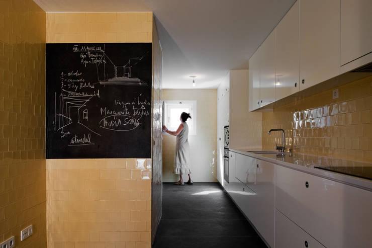 Cucina in stile  di Atelier Central Arquitectos