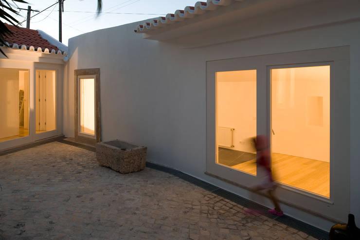 Case in stile  di Atelier Central Arquitectos