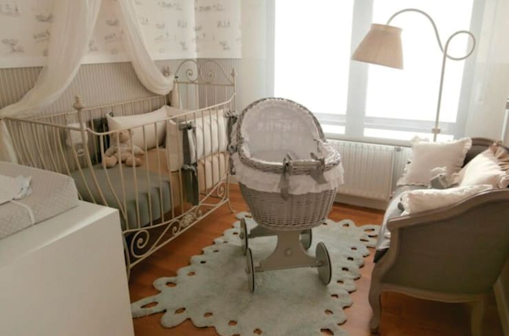 Alfombra galleta  de Lorena Canals para Mamuky.com: Habitaciones infantiles de estilo  de Mamuky.com