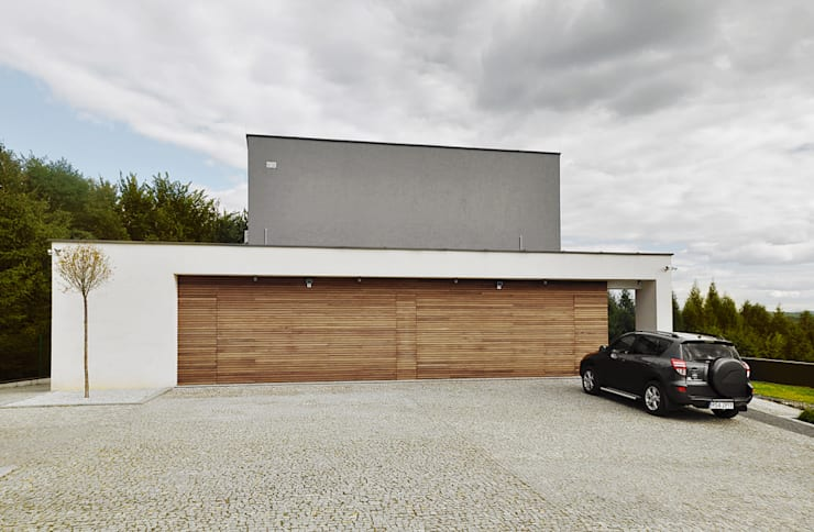 DOM ZI: styl , w kategorii Domy zaprojektowany przez MACIEJ JANECZEK ARCHITEKT