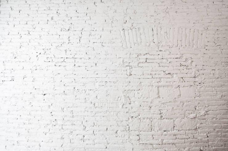 Muren door Dolmen Serveis i Projectes SL